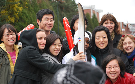 MDM Students and Olympic Torch